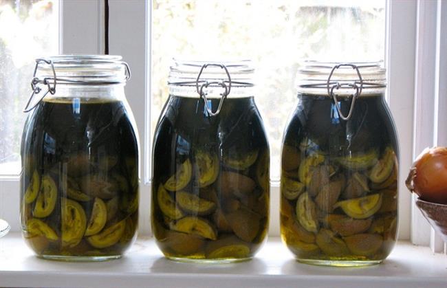 Zeleni orehi so zelo zdravilni. (foto: http: www.healthyfoodstar.com)