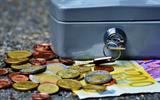 Skupščina potrdila: Pokojnine bodo nižje za skoraj tretjino