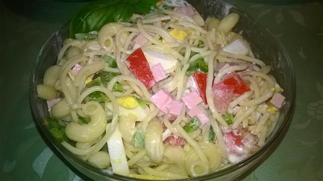 Iz Jožičine kuhinje: Osvežilna testeninska solata