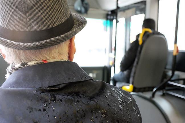 Za upokojence brezplačen javni potniški promet