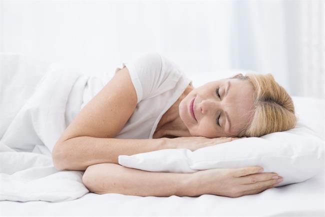 Preprosti rituali, ki vam bodo zvečer pomagali zaspati