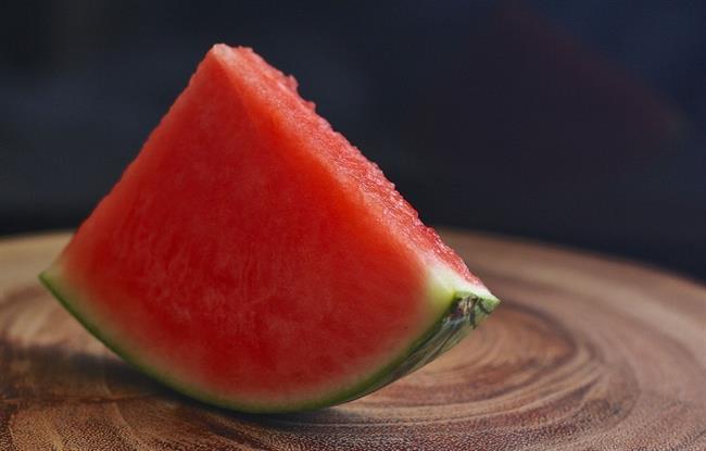 Ali veste: Katera živila pomagajo pri hujšanju in ali mednje spada lubenica?